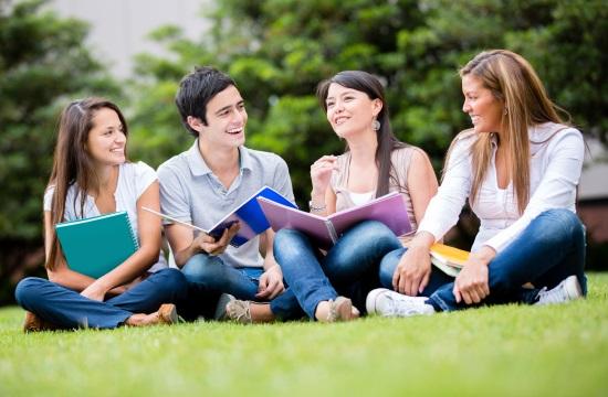 Περιορίζονται οι σχολικές εκδρομές στο εξωτερικό