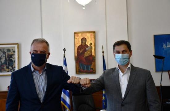 Συνάντηση Θεοχάρη - Καλαφάτη για το ασφαλές άνοιγμα του τουρισμού στη Βόρεια Ελλάδα