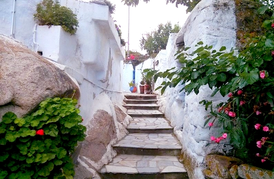 Ο περιπατητικός τουρισμός στην Τήνο