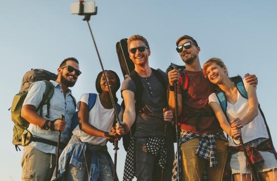 Booking.com/ έρευνα: Τα ταξίδια είναι το μυστικό για την πραγματική ευτυχία