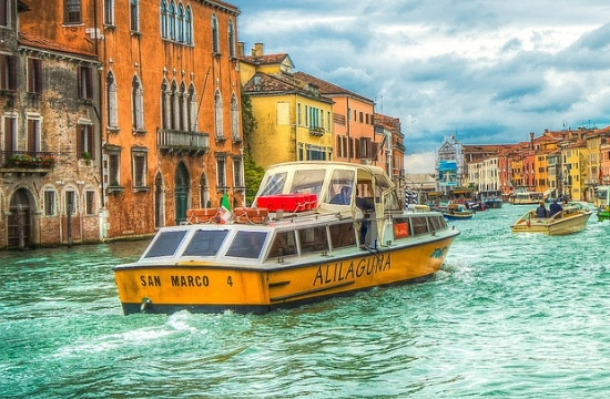 Διαδήλωση στη Βενετία κατά των μεγάλων κρουαζιεροπλοίων
