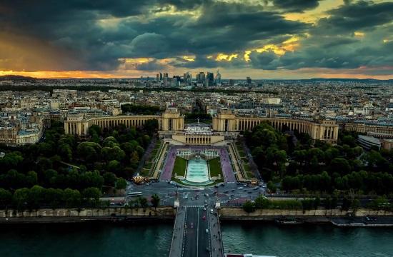 """Παρίσι: """"Αντίο"""" στα βενζινοκίνητα οχήματα μέχρι το 2030"""