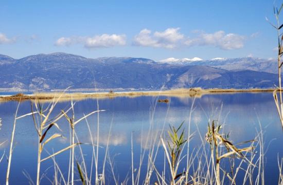 Ήπιες παρεμβάσεις για την τουριστική αναβάθμιση της λιμνοθάλασσας Αλυκής Αιγίου