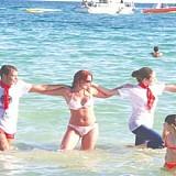 Ο χορός του Ζορμπά, που συνέθεσε ο Μίκης Θεοδωράκης, σύμβολο της Ελλάδας και του τουρισμού της...