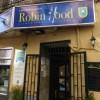 Ένα ισπανικό εστιατόριο σερβίρει αστέγους