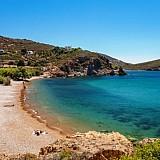 """T & L: Δύο παραλίες από την Πάτμο και τη Χαλκιδική στις 10 καλύτερες """"μυστικές"""" παραλίες της Ευρώπης."""