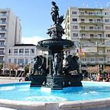 Ξενοδοχεία γίνονται διατηρητέα κτίρια σε Ναύπλιο και Πάτρα