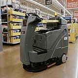 Στη χρήση ρομπότ επενδύει η αλυσίδα Waltmart