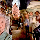 Έρευνα: Οι ταξιδιώτες αποφεύγουν να συζητούν με συνεπιβάτες στις πτήσεις