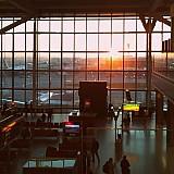Τα δύο τρίτα των Βρετανών αποφεύγουν τα ταξίδια λόγω των περιορισμών