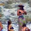 H Monica Bellucci με μπικίνι στη Μύκονο, παρέα με Κωστόπουλο και Μπαλατσινού