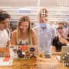 Booking.com: 2 εκατ. ευρώ σε 10 startup στον βιώσιμο τουρισμό- Δείτε ποιες είναι