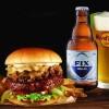 Hard Rock Cafe Athens: Nέο Fix Hellas Bricket Burger και εορταστικά κοκτέιλ