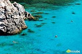 Handelsblatt: Οι πυρκαγιές δεν επηρεάζουν τον ελληνικό τουρισμό