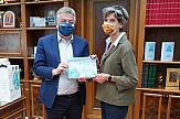 Η Βρετανίδα πρέσβης στον Περιφερειάρχη Κρήτης: Φέτος θα δείτε πολλούς Βρετανούς τουρίστες