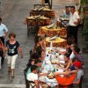 Le Figaro: Φόβοι ότι η αύξηση ΦΠΑ σε λάδι και καφέ θα διώξει τουρίστες