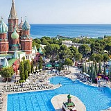 2 εκατ. Ρώσοι τουρίστες έδωσαν ζωή αυτό το καλοκαίρι στην Αττάλεια