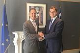 Συνάντηση Χ. Θεοχάρη με τον ελληνοαμερικανό Μάικ Μανάτος για επενδύσεις και αφίξεις από ΗΠΑ