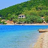 Καταφύγιο τουριστικών σκαφών στον όρμο Αθερινού Μεγανησίου