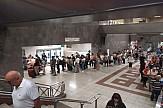Οι ουρές στα εκδοτήρια του μετρό του Συντάγματος- Λύσεις υπάρχουν