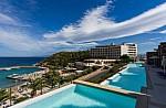 Booking.com: Στη Σαντορίνη ένα από τα 5 πιο πολυτελή ξενοδοχεία στον κόσμο- Δείτε ποιό
