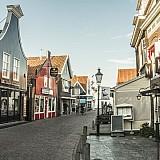 Ολλανδία: Κυκλοφοριακό, ακρίβεια στη στέγαση και κυβερνητική αστάθεια αποθαρρύνουν τους ξένους επενδυτές