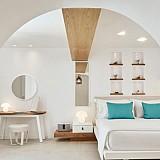 Λιμουζίνα και ελικόπτερο για τους πελάτες του νέου Nikki Beach Resort & Spa Santorini