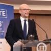 O επίτροπος Οικονομικών και Δημοσιονομικών Υποθέσεων της Ευρωπαϊκής Επιτροπής κ. Πιερ Μοσκοβισί  με τον Πρόεδρο του ΣΕΤΕ κ.Γιάννη Ρέτσο