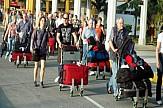 Οι Αμερικανοί και οι Βρετανοί τουρίστες στήριξαν τον ελληνικό τουρισμό το α' 4μηνο του 2019