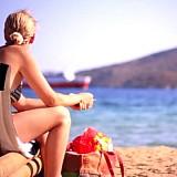 Βρετανοί και Αμερικανοί κράτησαν ψηλά τον ελληνικό τουρισμό στο 8μηνο
