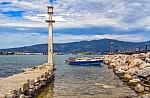 Trivago: Σαντορίνη, Μύκονος και Κρήτη πρώτες στις προτιμήσεις των τουριστών