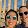 Στην Αθήνα γιορτάζει ο ιδρυτής του Facebook τα 7 χρόνια γάμου του
